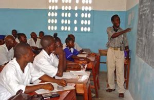 Classroom_at_a_seconday_school_in_Pendembu_Sierra_Leone-300×196